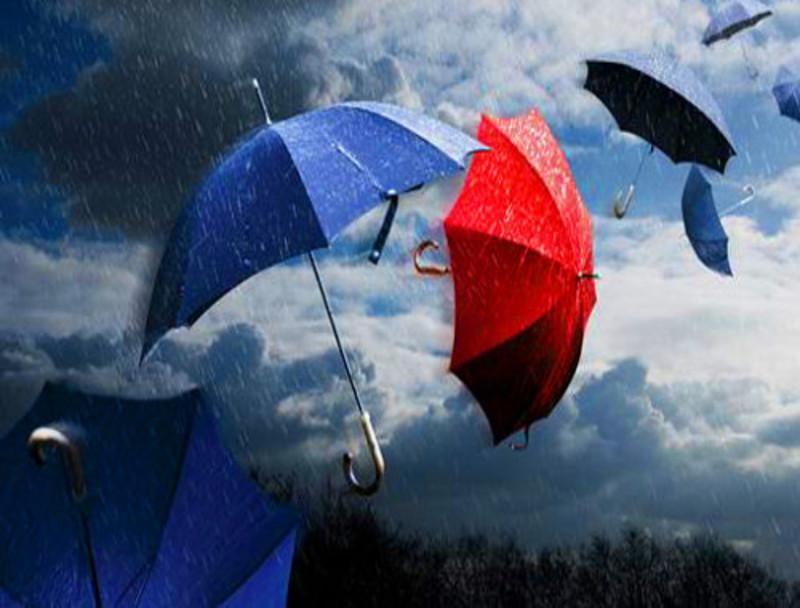 Bronte dall 39 estate all 39 inverno in 48 ore calo termico for Sotto la pioggia ombrelli